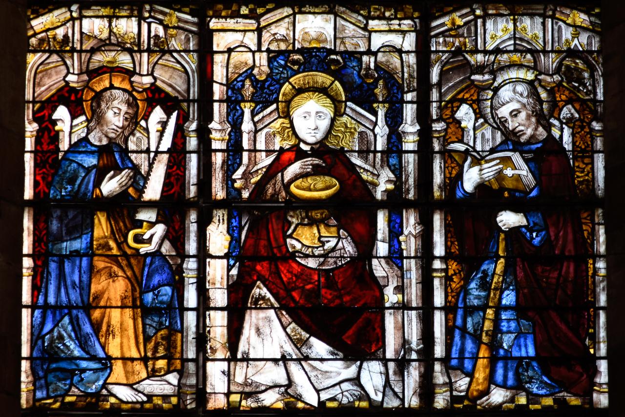 Verrière du Jugement Dernier (détail) dans la cathédrale de Coutances.