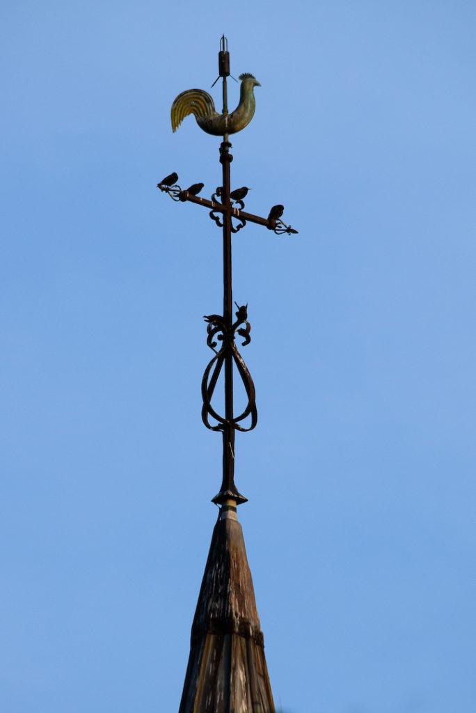 Coq au dessus d'un clocher